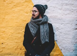 Fashionable men's scarf